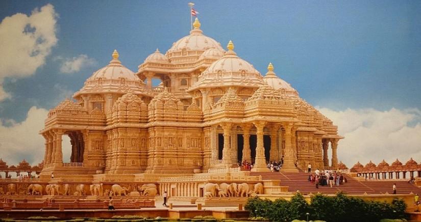 Akshardham_temple_delhi.jpg