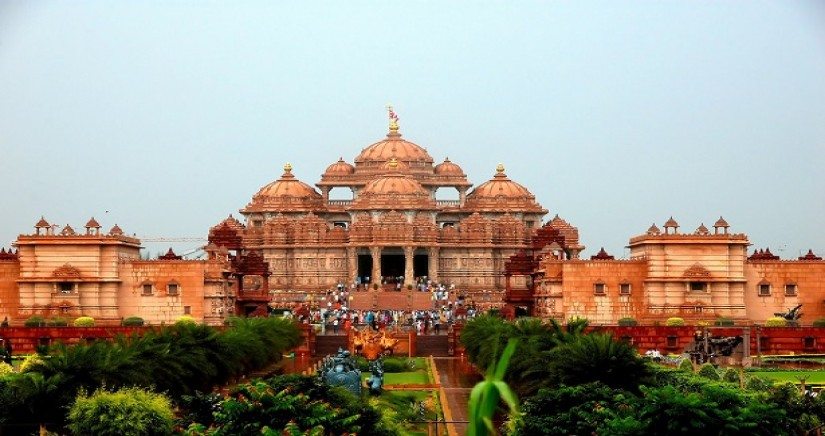 Akshardham_temple_delhi1.jpg