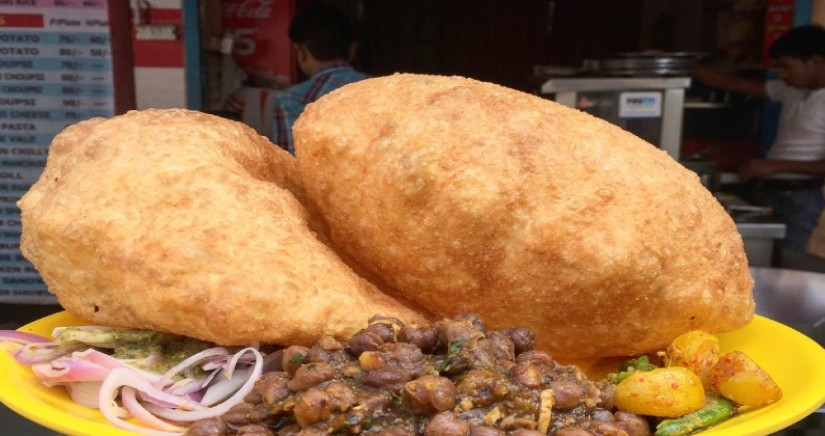 Chole_Bhature_street_food.jpg