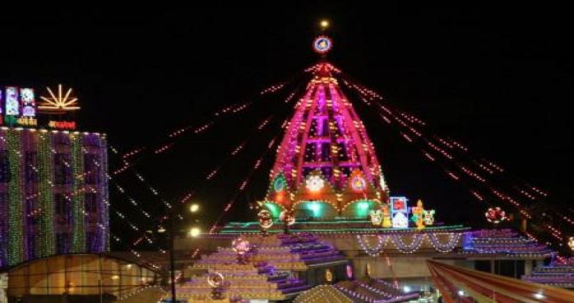Jhandewalan_temple.jpg