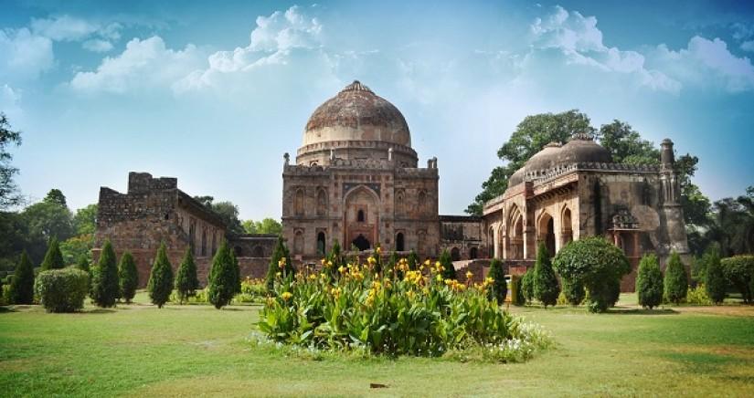 Lodhi_Gardens_Delhi.jpg