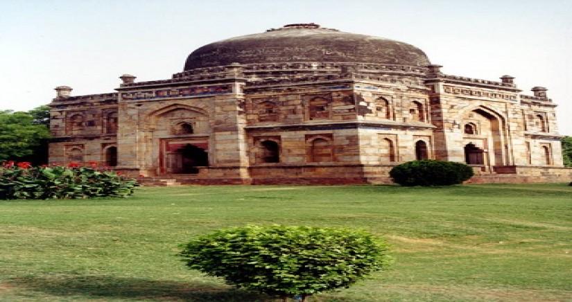 Lodhi_Gardens_Delhi_India.jpg