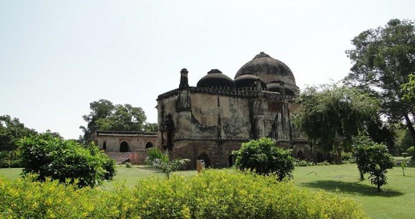 Lodhi_Gardens_Delhi_in.jpg